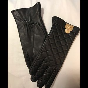 Women's Michael Kors black leather quilted gloves